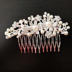 Peineta Noa – Novias Low Cost Bobby Pins, Hair Accessories, Beauty, Hair Combs, Bridal Headpieces, Brides, Tent, Wedding, Beleza