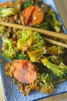 Tofu, Quinoa, Broccoli, Curry, Food And Drink, Chicken, Vegetables, Recipes, Foods