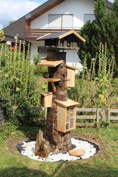 Insect Hotel, Outdoor Fun, Bird Houses, Firewood, Garden Design, Nature, Home And Garden, Decor, Backyard Ideas