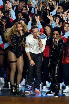 Bruno Mars Photos - Pepsi Super Bowl 50 Halftime Show - Zimbio