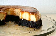 Κέικ σοκολάτας με κρέμα καραμελέ (VIDEO) - cretangastronomy.gr Cream Crackers, New Cake, Sushi, Steak, Chocolate, Ethnic Recipes, Desserts, Food, Tailgate Desserts