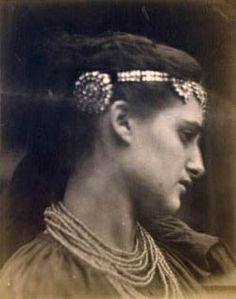 Marie Spartali Stillman as Zoe by Julia Margaret Cameron (?)
