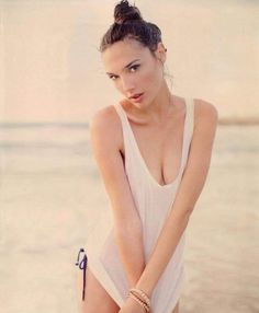 As she continues to become a major international superstar, it's important to look back and reflect on Gal Gadot before she was Wonder Woman. Gal Gadot Wonder Woman, Woman Movie, Actrices Hollywood, Wonder Women, Celebs, Celebrities, Woman Crush, Belle Photo, Beautiful Actresses