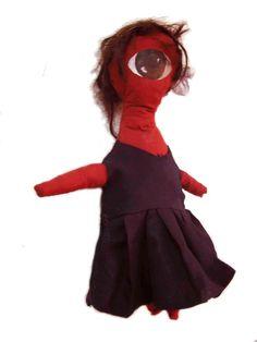 Muñeca de trapo realizada a mano. Uniforme de colegio.