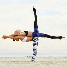 Resultado de imagem para desafio da yoga em dupla fotos