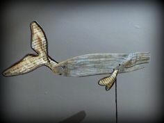Cachalot baleine en bois flotté sculpté métal et papier