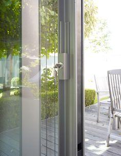 Rahmenlose Schiebefenster: Burckhardt`s SOREG-glide, System 150 mit Schließanlage