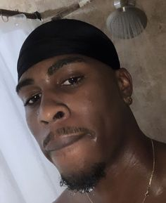 Fine Black Men, Gorgeous Black Men, Cute Black Guys, Black Boys, Fine Men, Beautiful Boys, Cute Guys, Dark Skin Boys, Ripped Body