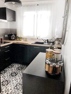 Zoom on my Black Industrial Kitchen! Cocina Diy, Small Kitchen Organization, Kitchen Hardware, Küchen Design, Beautiful Kitchens, Home Remodeling, Kitchen Remodel, Kitchen Decor, Sweet Home