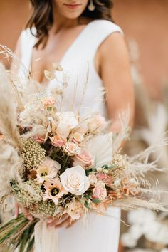 The Lesser Seen Side of Southern France Weddings – Terracotta - Modern Rustic Bridal Bouquets, Summer Wedding Bouquets, Rustic Bouquet, Rustic Wedding Flowers, Bridal Flowers, Floral Wedding, Wedding Colors, Champagne Wedding Flowers, Boho Wedding