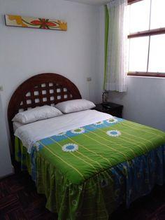 CAMA DE PINO, ACABADO RUSTICO CON SABANERA Precio S/ 600 Tamaño: 2 Plazas…