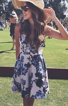 Floral print dress. Polo matches