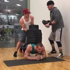 Planking with 460 Lbs on your back...  Credit: Instagram.com/coldcutz20