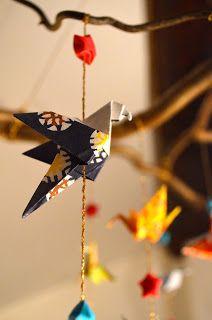 Ideas Origami Bird Diy Mobiles For 2019 Diy Origami, Mobil Origami, Origami Simple, Origami Wedding, Origami Bird, Useful Origami, Origami Paper, Origami Flowers, Cat Crafts
