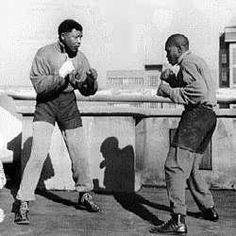 Nelson Mandela sparring SouthAfricanTvAds.com
