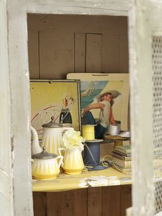 Cute. Love the vintage style and colors. Lucyina Moodie - Interior Stylist