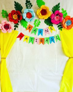 Birthday Decorations At Home, School Decorations, Paper Flower Backdrop, Paper Flowers Diy, Butterfly Crafts, Flower Crafts, Paper Crafts For Kids, Preschool Crafts, Ramadan Crafts