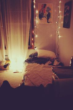 need fairy lights in my uni room