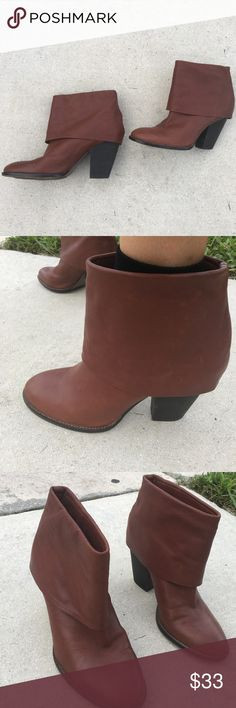 "Vince Camuto Brown Burgundy Leather Heels Booties Genuine leather in a whisky red brown color. Roll over bootie. Round toe. 2.5"" rustic block heel. Luxe silky leather. Size 9. True to size. Virtually brand new. Vince Camuto Shoes Ankle Boots & Booties"