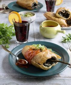 Potatoes are an amazing food and are at home in every vegan& kitchen. These Vegan Potato-Stuffed Chiles Rellenos will make dinner into a special occasion. Vegan Mexican Recipes, Vegan Dinner Recipes, Breakfast Recipes, Vegan Meals, Going Vegetarian, Vegan Vegetarian, Vegetarian Recipes, Vegan Food, Healthy Recipes