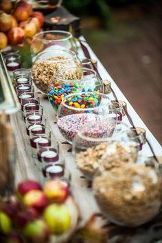 Fall Wedding Ideas - DIY Caramel Apple Bar- I am thinking a sundae bar instead…. Sundae Bar, Caramel Apple Bars, Caramel Apples, Bar A Bonbon, Fall Wedding, Wedding Reception, Wedding Ideas, Reception Food, Budget Wedding