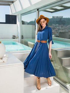 Φόρεμα μπλε σεμιζιε με πλισέ το κάτω μέρος και ταμπά ζώνη   Συνθεση :74%viscose 26%pes  Ελληνικης ραφής Boutique, Summer Dresses, Collection, Fashion, Moda, Summer Sundresses, Fashion Styles, Fashion Illustrations, Summer Clothing