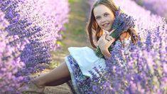 Nezdá se to, ale střih levandule je velmi důležitý pro vývoj celé rostliny Sequin Skirt, Lavender, Sequins, Skirts, Fashion, Lawn And Garden, Moda, Fashion Styles, Skirt