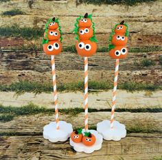 Stacked Pumpkin Cake Pops by @ThePartiologist