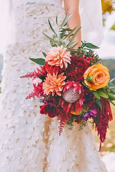 Most Popular Wedding Flowers In Bridal Bouquets ❤ See more: http://www.weddingforward.com/popular-wedding-flowers/ #weddingforward #bride #bridal #wedding
