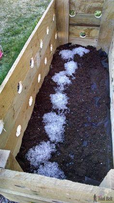 Diy Pallet Planter Box For Cascading Flowers Pallet 640 x 480