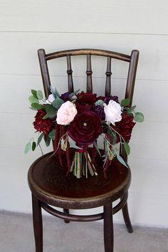 Burgundy Bridal Bouquet  Moody Romantic Garden Style #weddingplanning #bride #weddingflowers #weddingwednesday #weddingbouquet