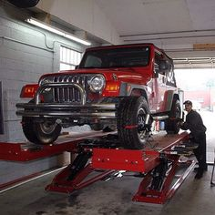 Hunter's HawkEye Elite® features Inflation Station™, allowing you to automatically inflate all four tires simultaneously! Wheel Alignment, Hawkeye, Jeeps, Antique Cars, Engineering, Instagram Posts, Vintage Cars, Technology, Jeep