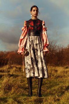 Alexander McQueen Pre-Fall 2018 New York Collection - Vogue