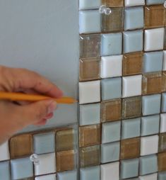 Tutorial como hacer un espejo para el baño con cenefa de mosaico