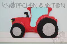 Kissen - roter Traktor, Kissen, Kuschelkissen für Kinder - ein Designerstück von knoepfchenundanton bei DaWanda
