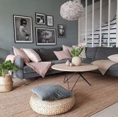 Living Room Decor Ideas - Interior Design Ideas & Home Decor. - Living Room Decor Ideas – Interior Design Ideas & Home Decorating Inspiration – … Living Roo - Living Room Decor On A Budget, Small Living Rooms, Interior Design Living Room, Home And Living, Living Room Designs, Cozy Living, Living Room Decor Colors, Interior Colors, How To Design Living Room