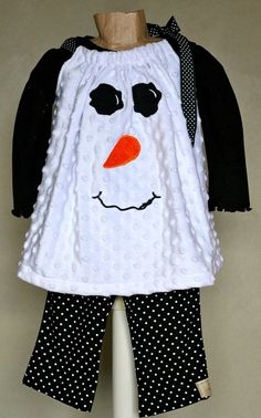 Snowman Pillowcase Dress. I found a similar snowman face on Planet Applique. Going to have to make this for my little girl!