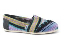 So I'm kinda peeved w Toms for coming out with new styles I think are cute; I don't have $54-$68 to spend on shoes! But still...Aqua Tamin Women's Classics