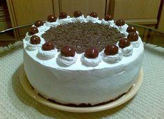 Pihe-puha Feketeerdő-torta – Ez a torta egy fantasztikum, nagyon-nagyon mutatós. :) Hungarian Recipes, Cakes And More, Food And Drink, Birthday Cake, Cheesecake, Cooking, Desserts, Girly, Photography