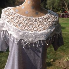 Gray shirt with pretty lace collar Light gray knit shirt with white lace collar Tops Tees - Short Sleeve