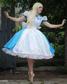 Cinderella Cosplay, Alice Cosplay, Cute Cosplay, Cosplay Outfits, Cinderella 2015, Disney Cosplay, Frilly Dresses, Pretty Dresses, Beautiful Dresses