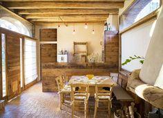 #mountaincollection #baita #chalet #legno antico #wood #arredareinmontagna #oldwood #design #madeinitaly #home #scaleinlegno #saladapranzo #mountainhouse #rovereantico