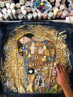 Hand painted custom denim jacket woth Gustav Klimt the embrace the kiss painting… – 2019 - Denim Diy Painted Denim Jacket, Painted Jeans, Painted Clothes, Denim Jacket Men, Hand Painted, Custom Denim Jackets, Kiss Painting, Frida Art, Denim Art