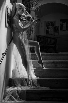 she serenaded him nightly with love melodies ♥ music + femme pinterest.com/sheranga/