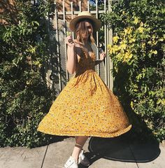 "cutepeachy: ""~ Acacia Brinley 🌻🍒☀️👟 (she's so beautiful) "" Looks Style, My Style, Girl Style, Acacia Brinley, Summer Outfits, Cute Outfits, Estilo Grunge, Hipster Grunge, Foto Casual"