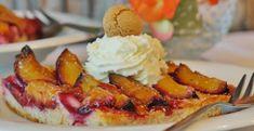 Zwetschgenkuchen or Plum cake Sheet Cake Pan, Hot Butter, Dominican Food, European Cuisine, Plum Cake, Healthy Soup Recipes, Vegan Recipes, Healthy Foods, Nutrition Tips