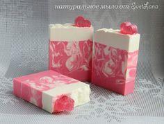 """Шелковое мыло с нуля  """"Розовый шелк"""". Слелано холодным способом. Аромат: отдушка """"Свежесрезанные розы"""""""
