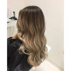 Balayage #beautifulhair #balayagehair #asblond #curls #ogeexclusive #KIS #biosilk #haircut #hairgoals #hairsalon #haironfleek #glamhair #GLAMHAIRBYKELLY