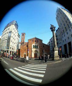 La meravigliosa San Babila. Sapevate che qui è stato battezzato Alessandro Manzoni? Foto di Marius Bunduc #milanodavedere Milano da Vedere