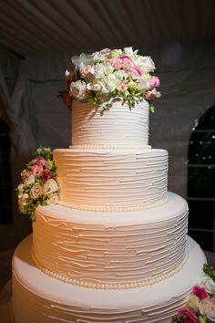 wedding cake idea; photo: Karlisch Photography